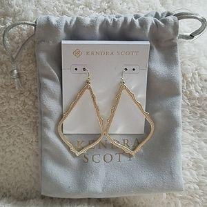BRAND NEW Kendra Scott Sophee Earrings In Gold